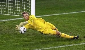 portero-alemania-neuer-hace-parada-su-partido-copa-mundial-futbol-2010-semi-final-contra-espana-estadio-moises-mabhida-durban-rf_182236